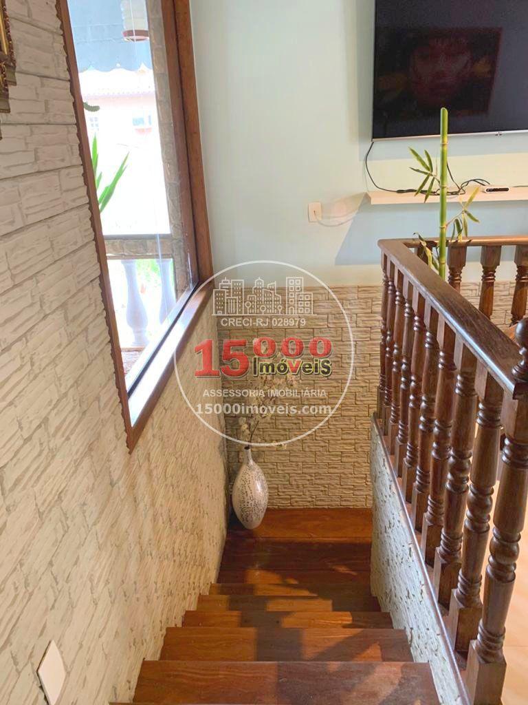 Escadas (2) - Casa tipo sobrado 2 suítes no Cond. Vila Real - Recreio dos Bandeirantes (15000-112) - 15000-112 - 4